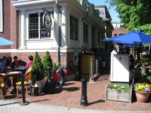 Grendel's Den: now a pleasant watering hole in Harvard Square (Wikipedia)